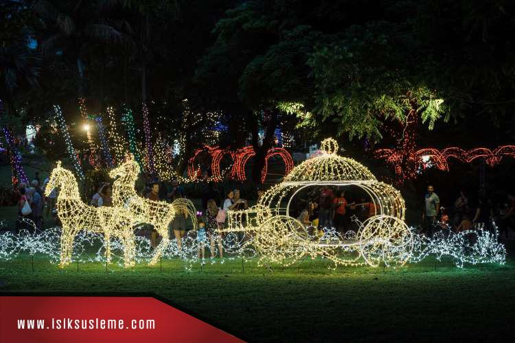 LEd Işıklı Geyik Noel Baba Yılbaşı Avm Bahçe Süslemleri -